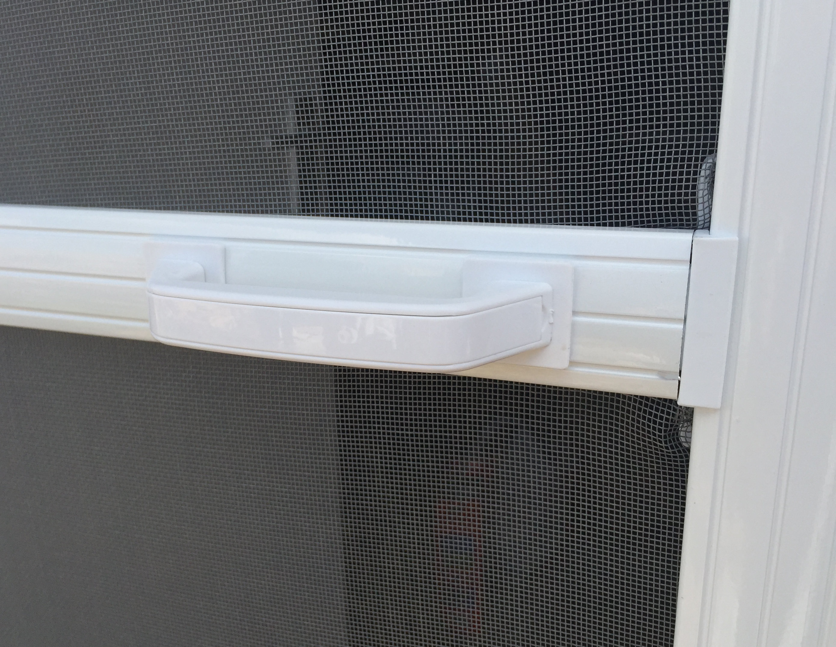 Handles on both sides of the door