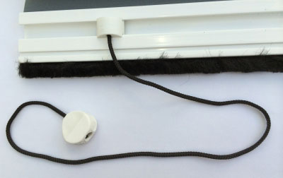 roller fly screen pull cord