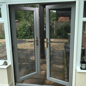 single roller fly screen door